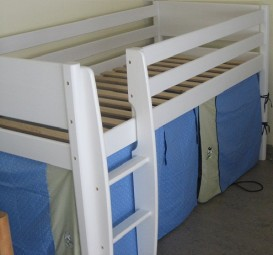 Mid-height bed Small World Basic